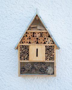 Un hôtel pour abeilles